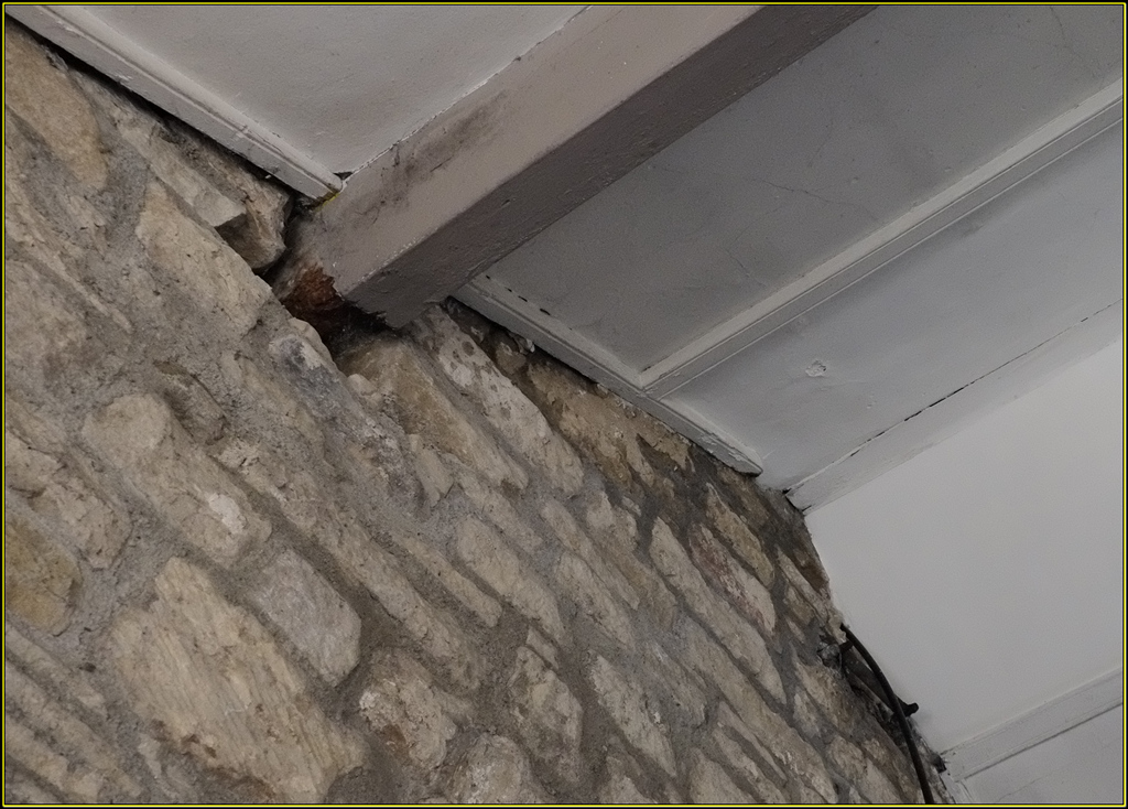 Rotten purlins at the west end.